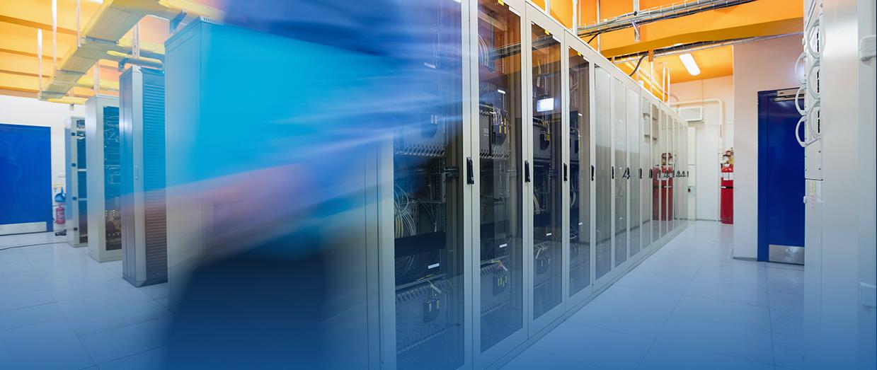 Die Zukunft liegt in der Cloud. Wir bieten individuelle Public-Cloud- und  Rechenzentrums-Lösungen für Ihre IT.
